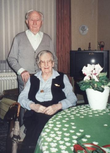 Dr Erich Kästner (1900-2008)  and his wife